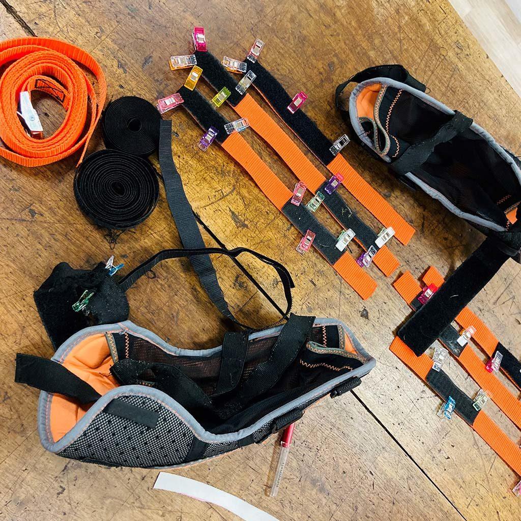 Réparation de l'équipement de kayakiste et tout particulièrement les coudières très abîmées