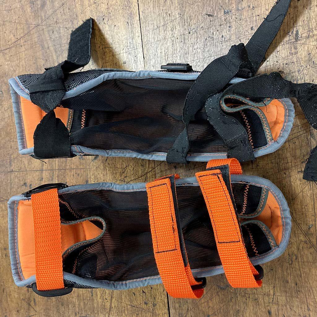 Réparation des attaches intérieures des coudières de kayakiste